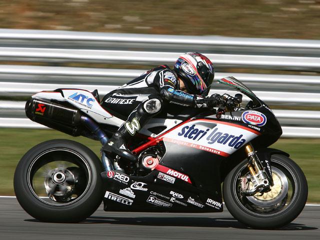 Imagen de Galeria de Kiyonari (Honda) se apunta la primera de Superbike. Nieto (Suzuki), quinto