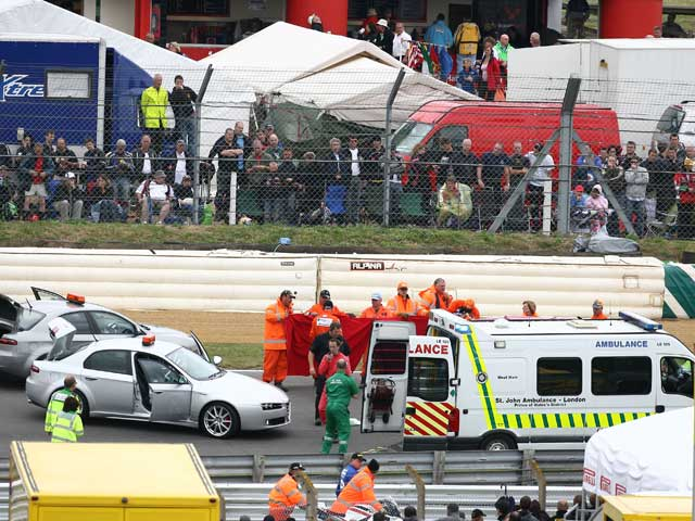 Craig Jones (Honda), ingresado en estado grave en Londres