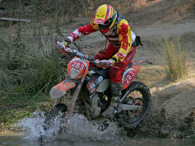 Imagen de Galeria de Aumenta le tensión en Trofeo de los Seis Días de Enduro ISDE 2008