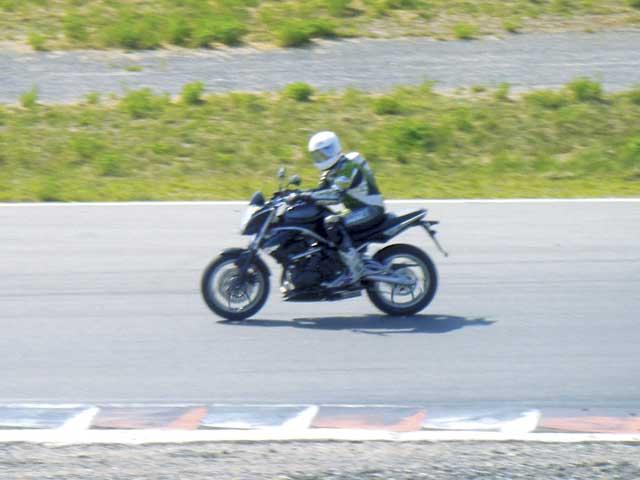 Imagen de Galeria de Kawasaki prueba sus nuevos modelos 2009