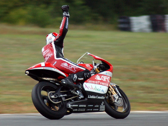 Imagen de Galeria de Álvaro Molina (Aprilia) gana su sexto título europeo de 250 cc