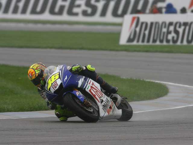 Rossi (Yamaha) busca el título en Motegi