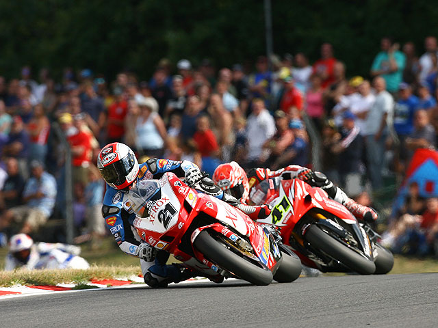 Bayliss con Ducati dos años más