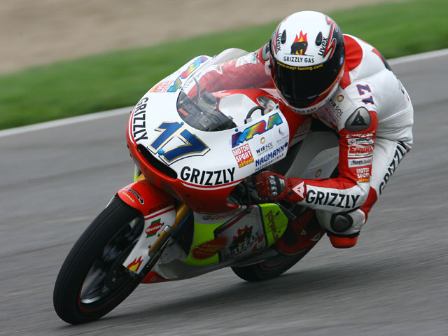 Primera pole de Mike Di Meglio (Derbi) en 125 cc