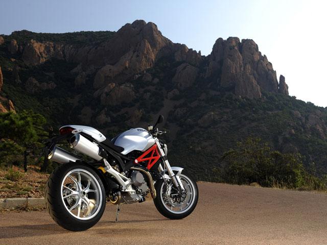 Novedades 2009: Ducati Monster 1100 Y 1100 S