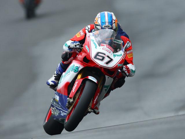 Shane Byrne (Ducati) se proclama campeón del BSB en Silverstone