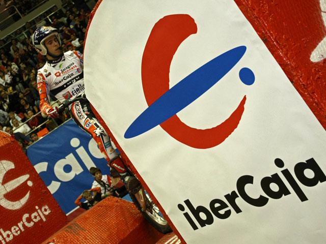 Toni Bou, victoria en el Trial Indoor de Zaragoza