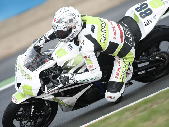 Parkes (Yamaha) logra la pole de Supersport en Magny Cours