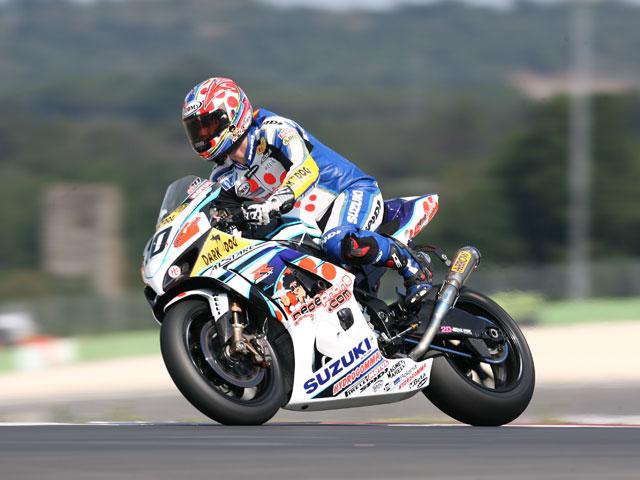 Noriyuki Haga (Yamaha) logra la pole de Superbilke. F. Nieto (Suzuki), segundo