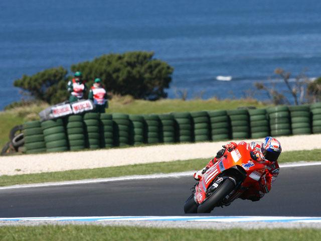 Imagen de Galeria de Pole para Casey Stoner (Ducati). Lorenzo (Yamaha), saldrá en segunda posición