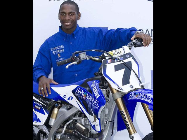 James Stewart ficha por Yamaha
