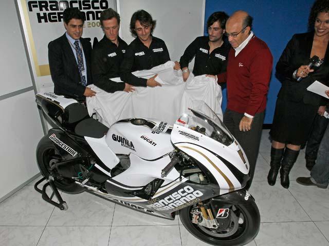 Presentado el equipo de Sete Gibernau con Ducati