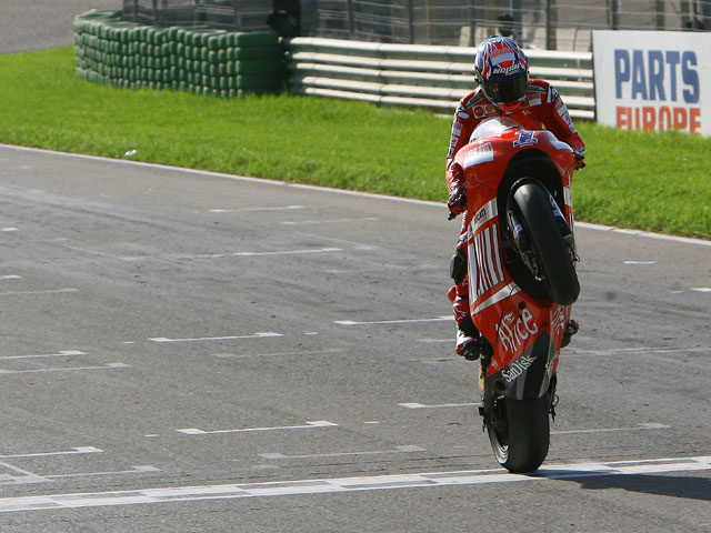 """Imagen de Galeria de Casey Stoner (Ducati): """"Acabar así una temporada difícil es una cosa fantástica"""""""