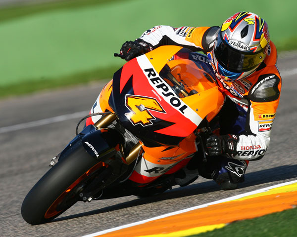 Mejor tiempo para Nicky Hayden (Ducati) en un test pasado por agua