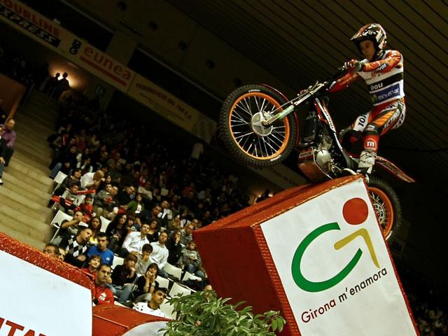 Cabestany con Sherco se impone en el Trial Indoor de Girona