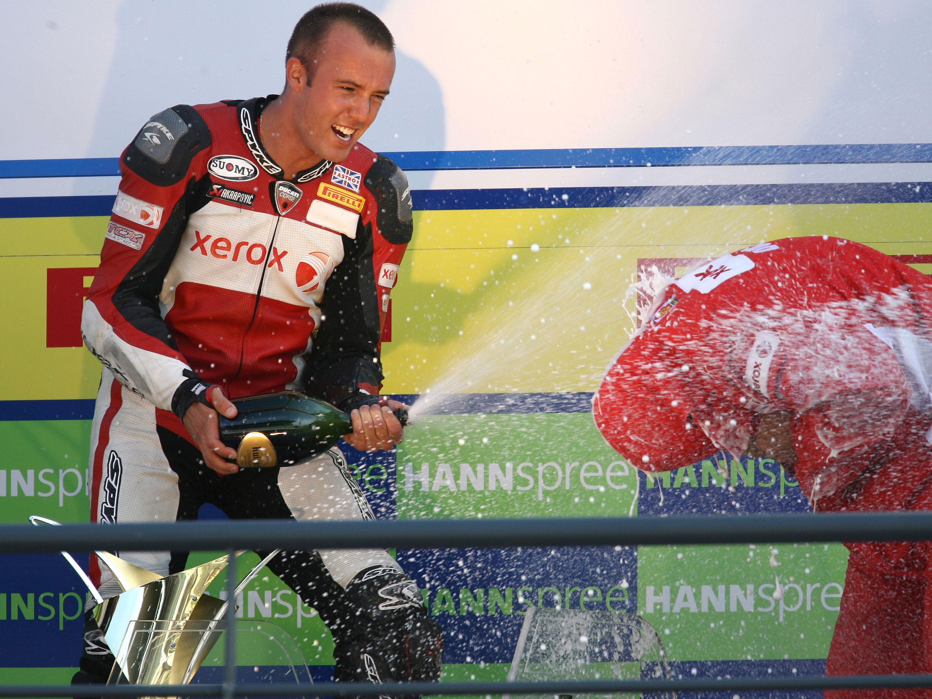 Imagen de Galeria de Roberts (Ducati), campeón de Superstock 1000