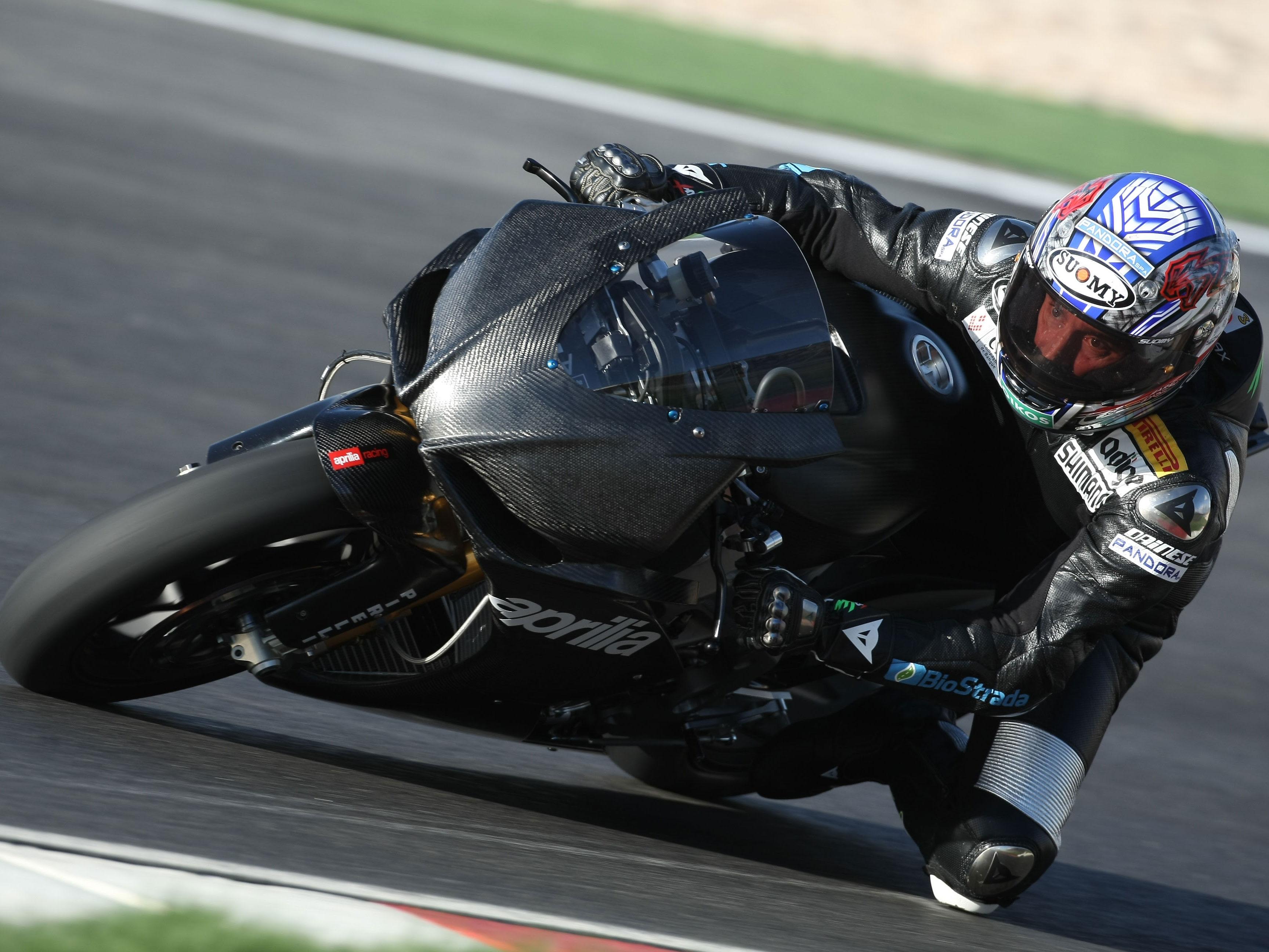 Simoncelli probará la RSV-4 de Biaggi en Valencia