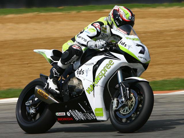 Fabrizio (Ducati), mejor tiempo; gran debut de Aprilia y BMW
