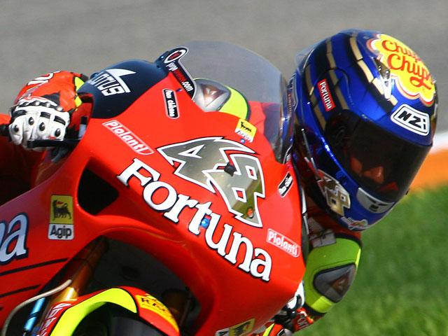 Encuesta Motociclismo.es: Gana un casco NZI