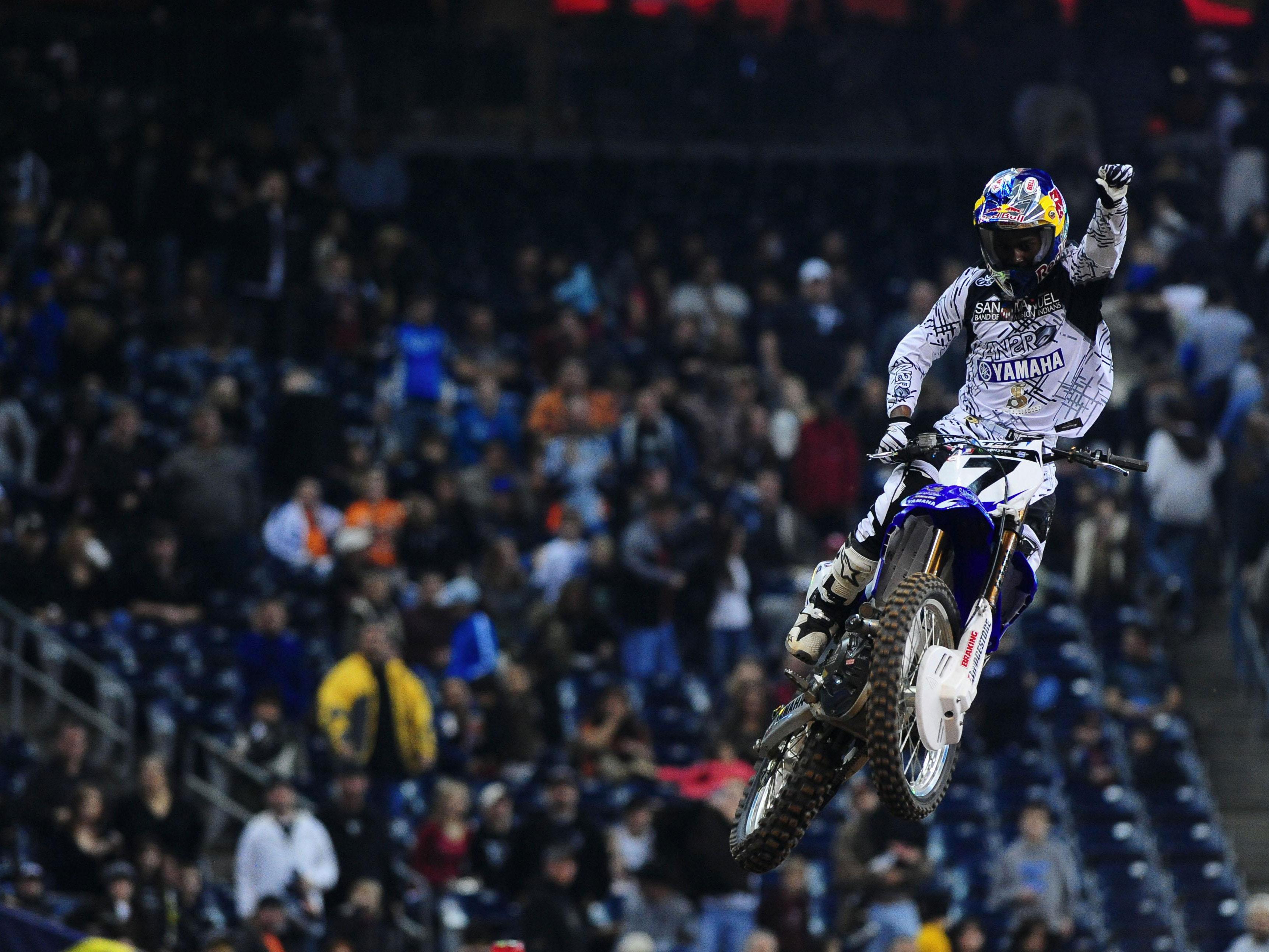 Stewart (Yamaha) suma la tercera victoria y ya es segundo en la general