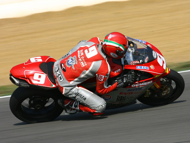 MV Agusta regresa a Superstock