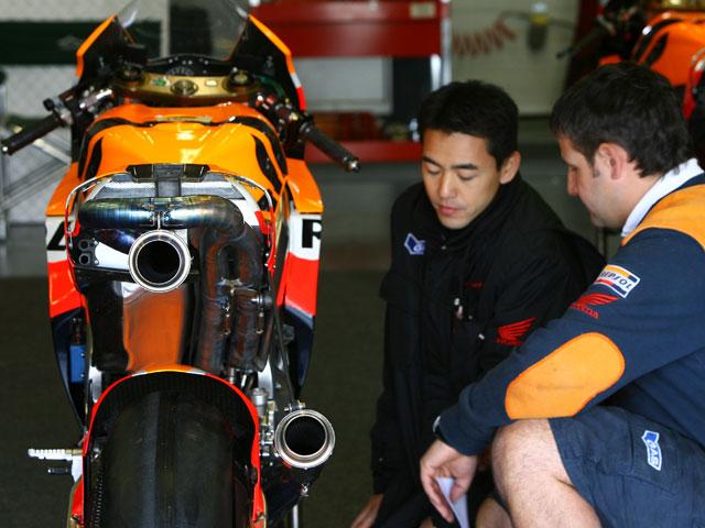 Imagen de Galeria de MotoGP se plantea sancionar a los pilotos que rompan motor antes de tiempo