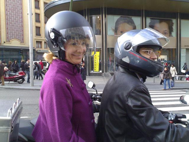 Imagen de Galeria de Esperanza Aguirre se compromete a proteger la seguridad vial de los motoristas