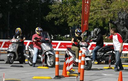 Conoce las mejores técnicas de conducción en el nuevo Blog de Motociclismo.es