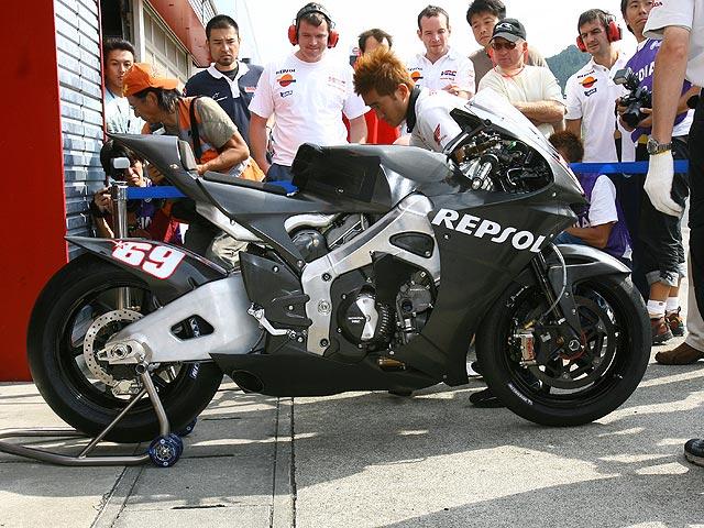 Hayden se queda sin probar la 800cc