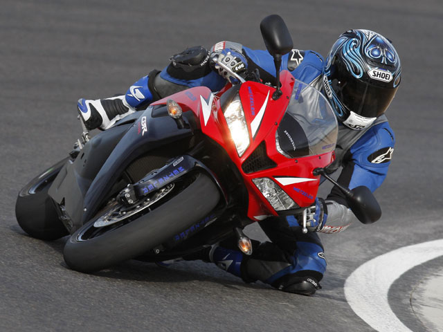 Imagen de Galeria de La Honda CBR 600 RR C-ABS, ya disponible