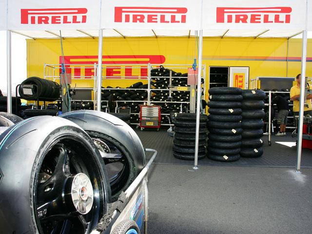 """Imagen de Galeria de Pirelli, """"Fabricante del año en 2009"""""""