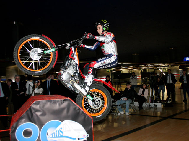 Presentación del Trial Indoor de Madrid 2009 con Toni Bou