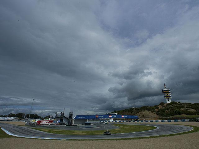 Imagen de Galeria de MotoGP. La lluvia se hace con el protagonismo en Jerez