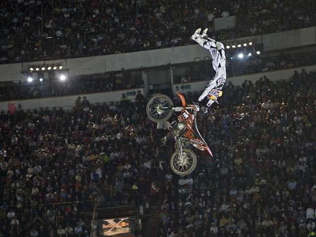 Imagen de Galeria de Tour Mundial Red Bull X-Fighters 2009/México