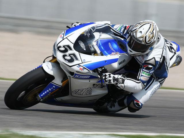 Noriyuki Haga (Ducati) arrasa en Valencia