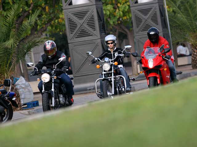 Imagen de Galeria de Si no usas casco, te quedas sin moto