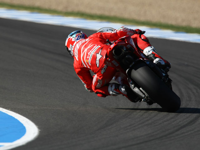 Rossi (Yamaha) arrasa en Jerez. Pedrosa, segundo