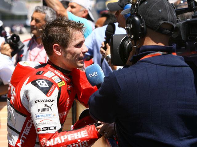 "Barberá (Aprilia): ""Simoncelli entró con la moto recta; si no me quito, me tira"""