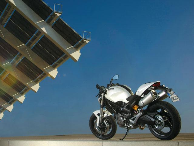 Ducati Monster 696 con seguro de regalo