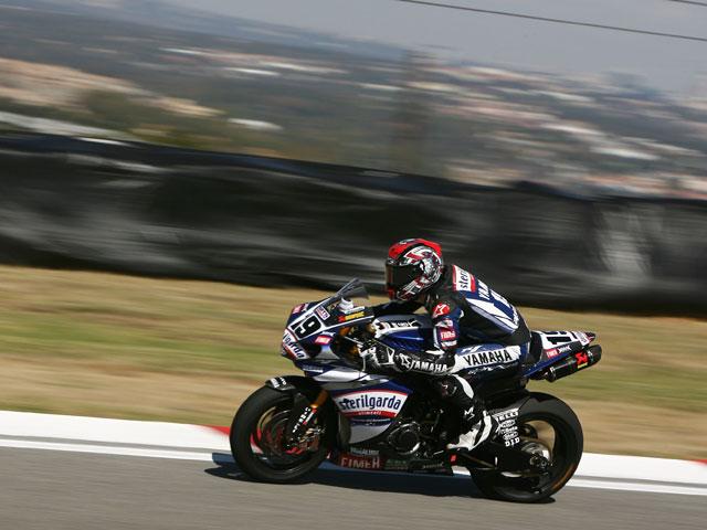 Michel Fabrizio (Ducati) golpea primero en Kyalami