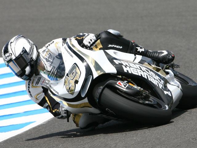 Sete Gibernau (Ducati) se fractura la clavícula
