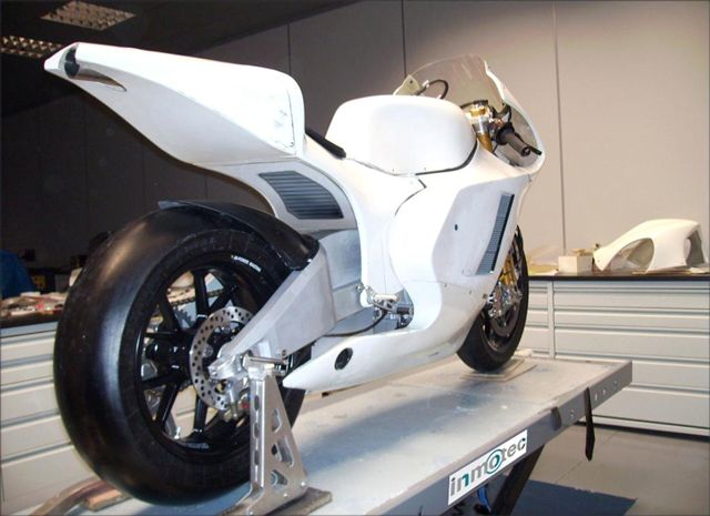 Moto2. Especificaciones del motor Honda