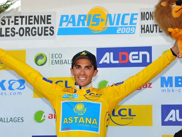 Alberto Contador va como una moto