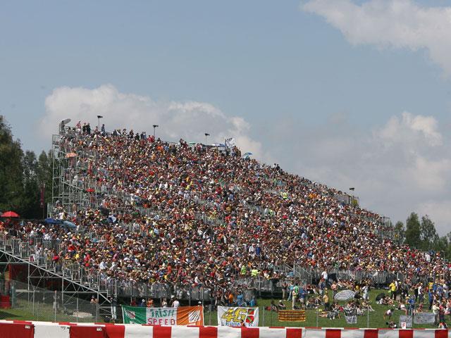 Bridgestone te invita al paddock de Montmeló