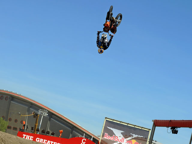 Imagen de Galeria de Robbie Maddison gana en los Red Bull X-Fighters de Calgary
