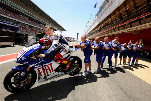 Imagen de Galeria de MotoGP. Lorenzo estrena equipación del FC Barcelona en Montmeló