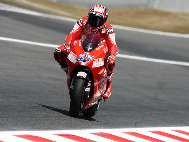 Imagen de Galeria de Jorge Lorenzo gana la pole a Valentino Rossi en Montmeló