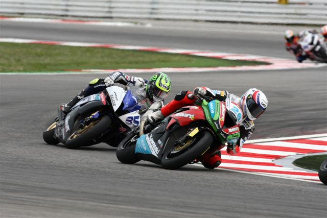 Crutchlow y Laverty dominan en Supersport