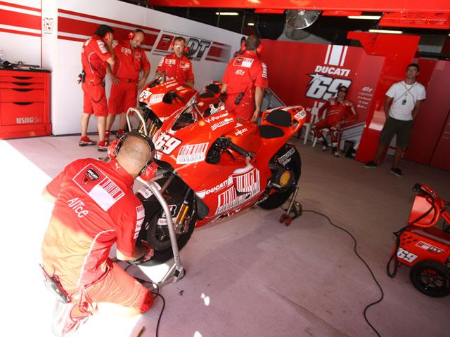Imagen de Galeria de Toshiba se incorpora al equipo Ducati de MotoGP