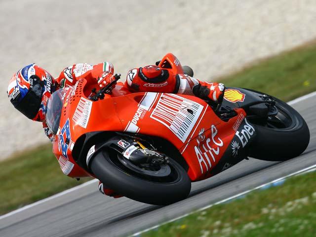 Valentino Rossi, victoria 100 en el Gran Premio de Assen. Lorenzo, segundo